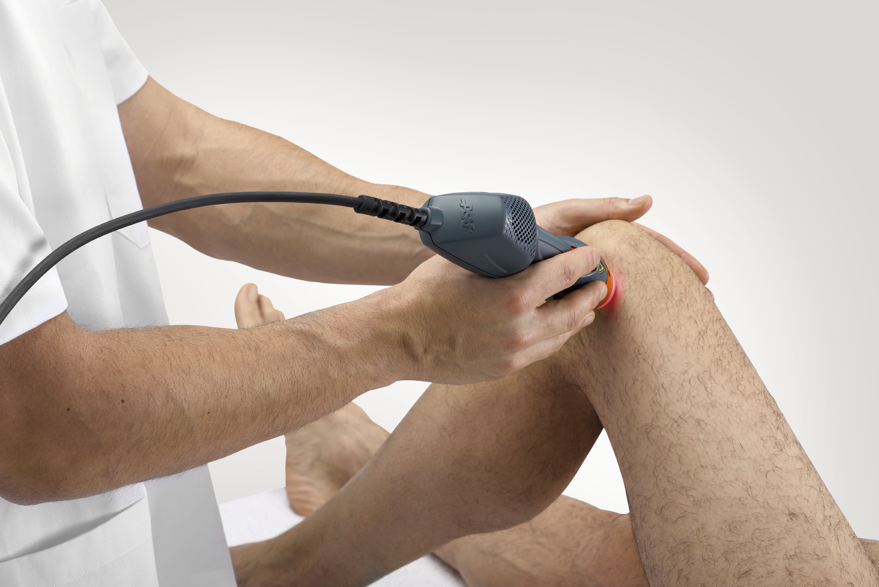 Mphi 75 - knee laser treatment