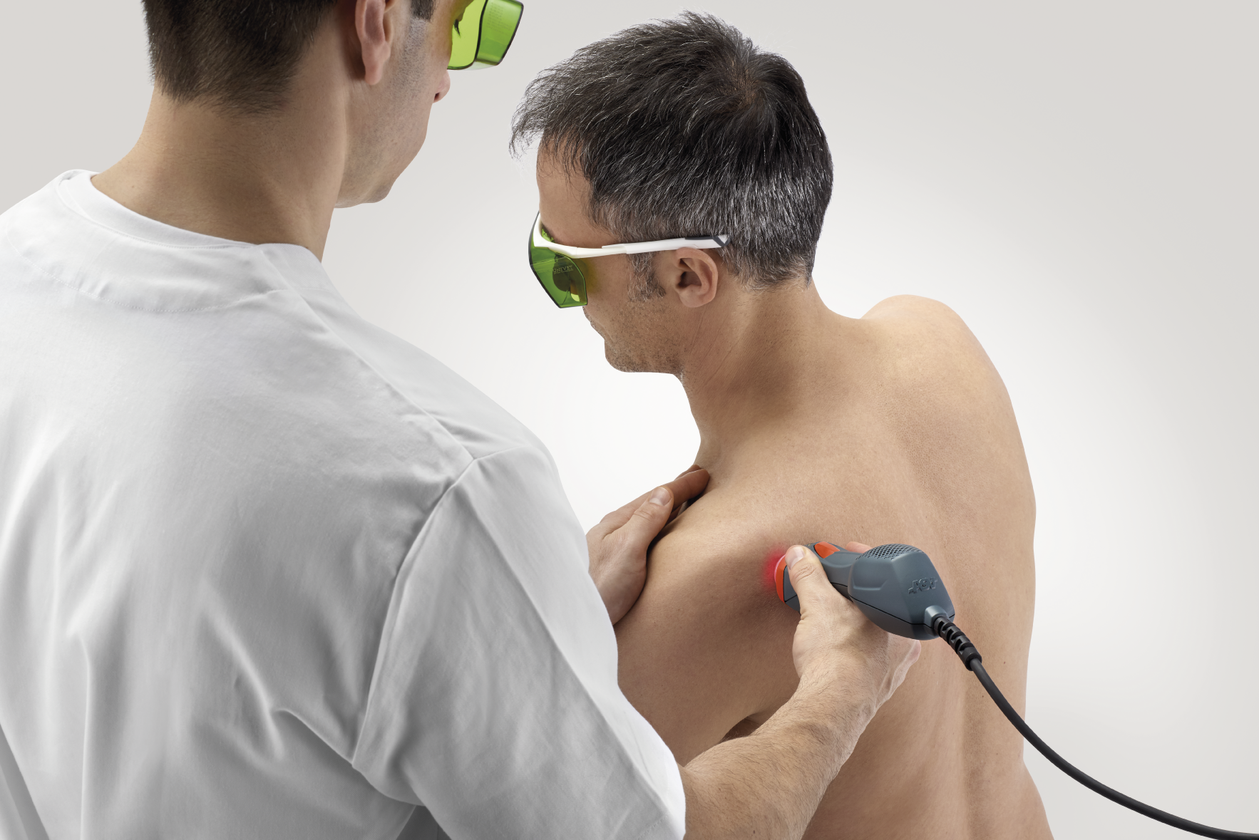 Mphi 75 - shoulder laser treatment