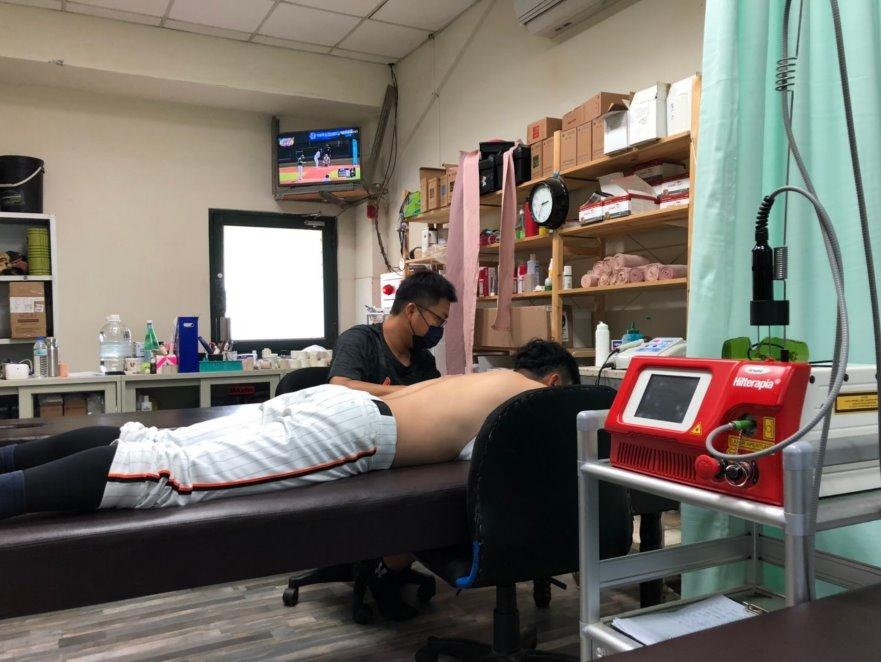 Hilterapia treatment with SH1 - Unilions baseball player