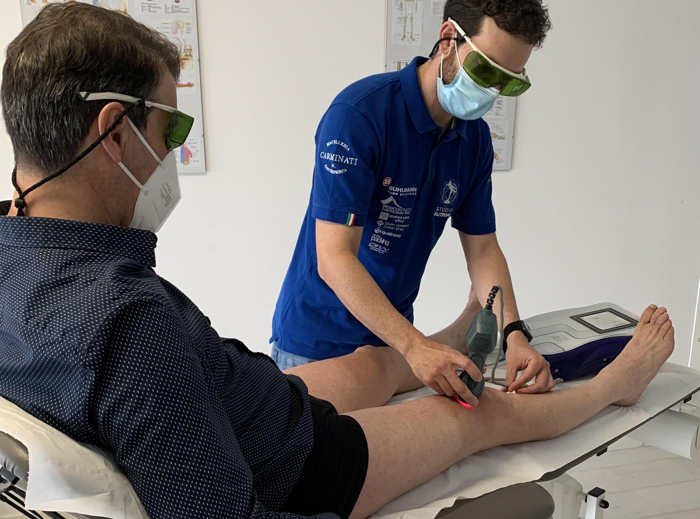 Trattamento ginocchio Laserterapia MLS - Stusio Elitropi